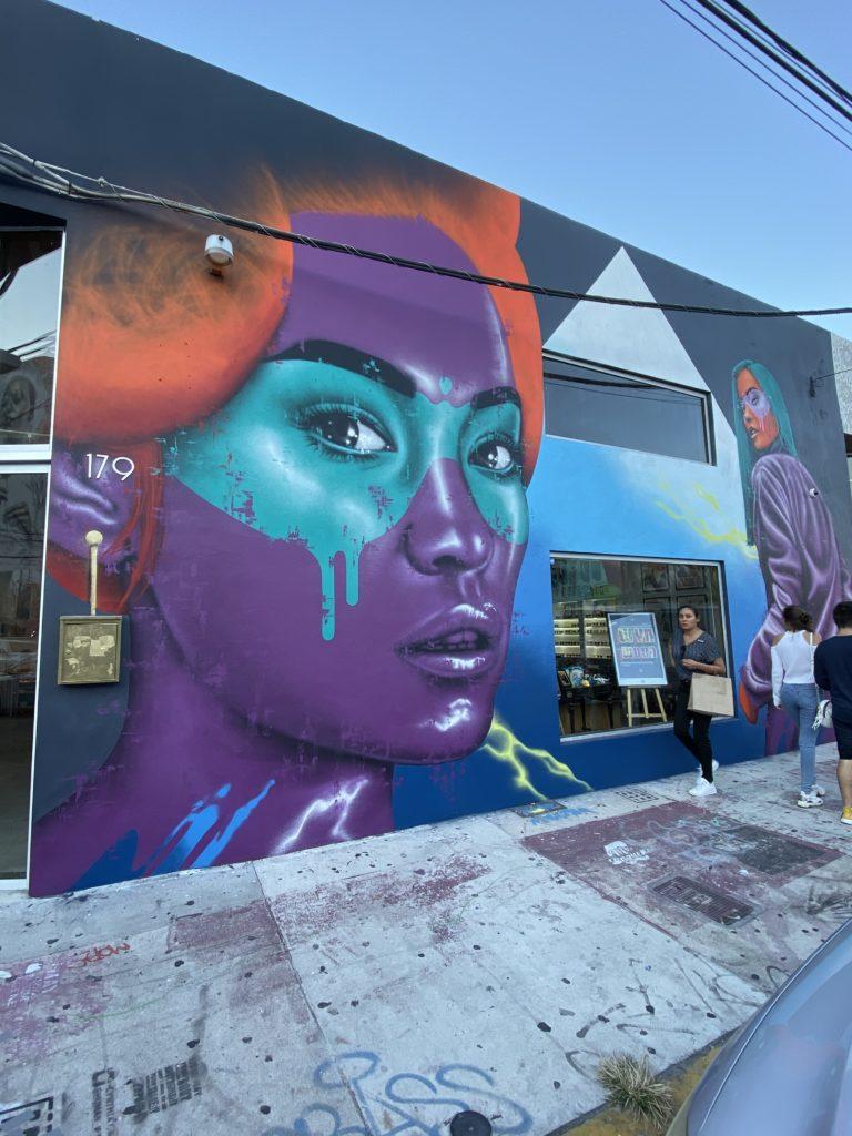 Fin DAC mural